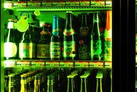 ガラスドアの冷蔵庫